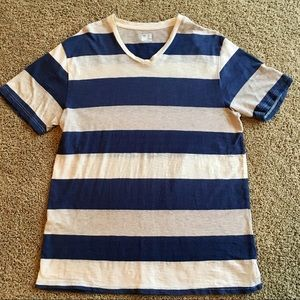 Mens GAP Size L Striped V Neck Tee Shirt